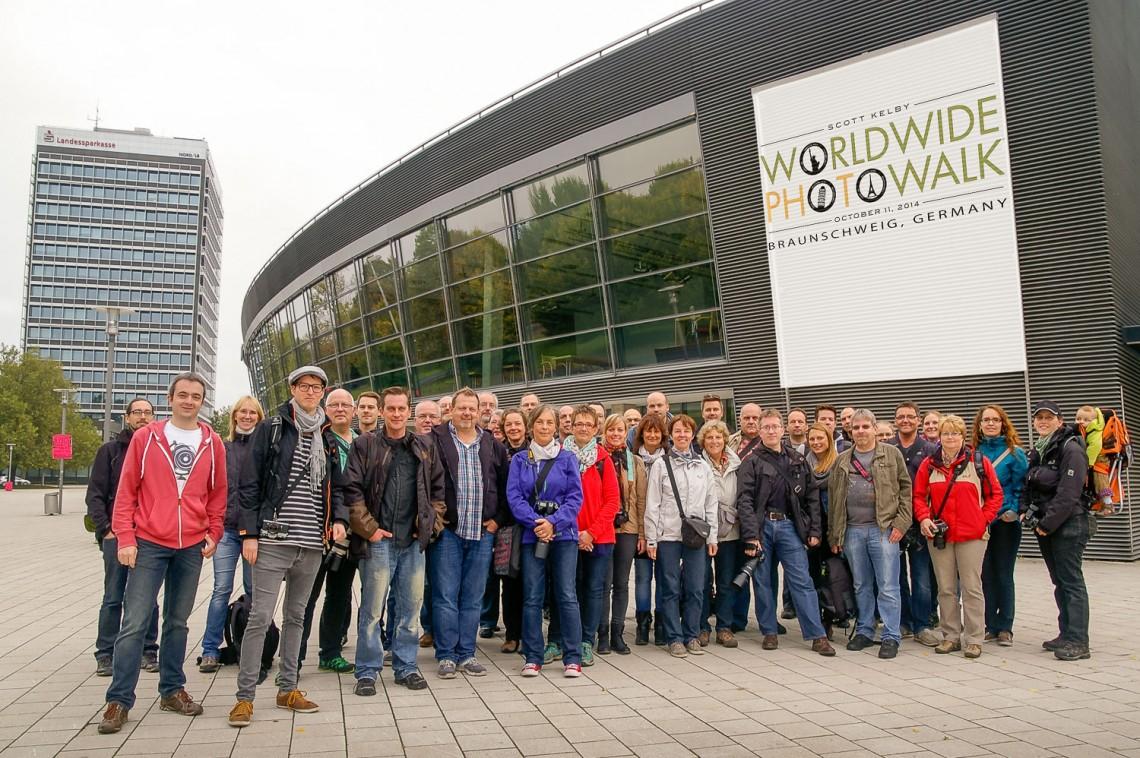 """Gruppenfoto vom """"Worldwide Photo Walk"""" in Braunschweig 2014."""